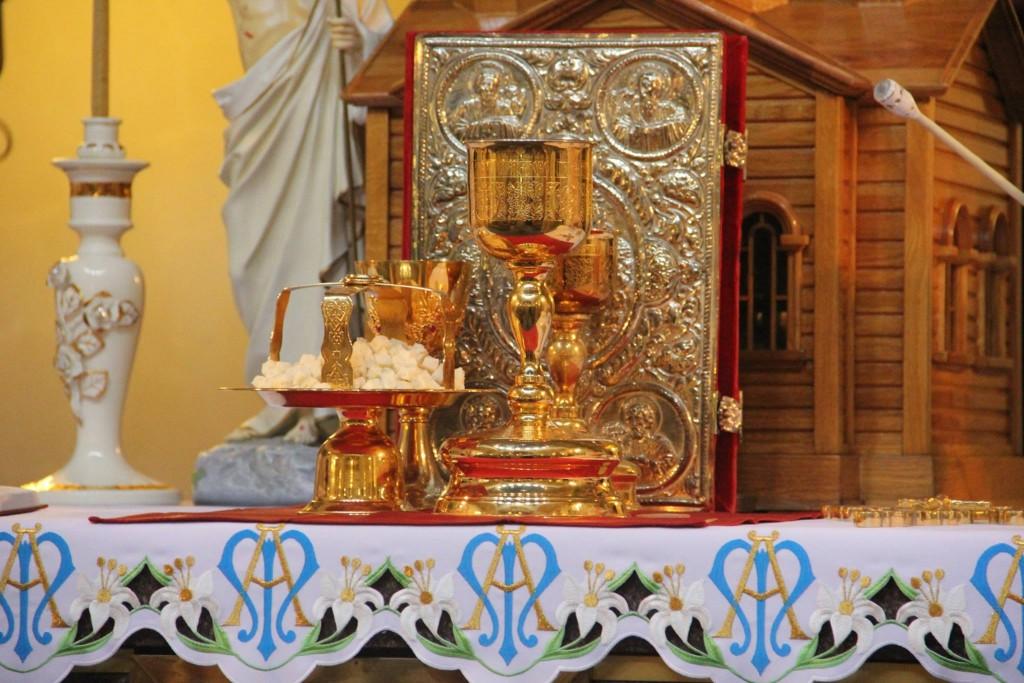 Христос Воскрес! Репортаж зі Святої Літургії східного обряду в Санктуарії Бога Отця 1 травня 2016 року