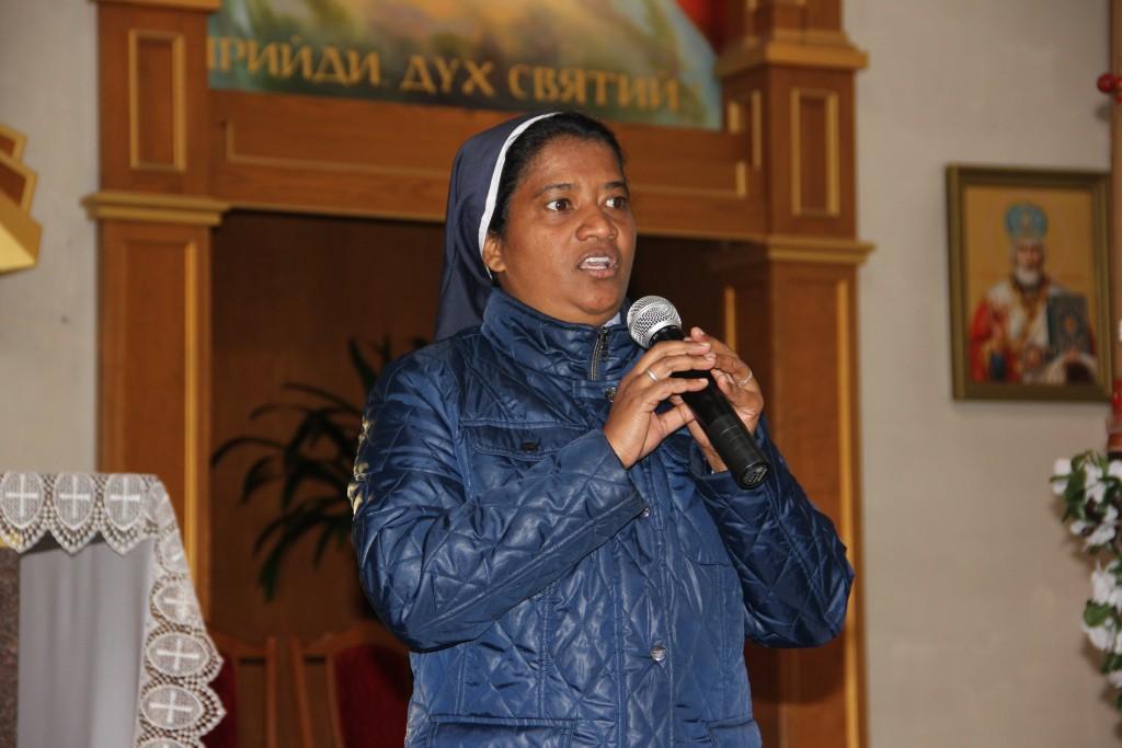 Зцілює від Бога: до Франківська приїде відома монахиня