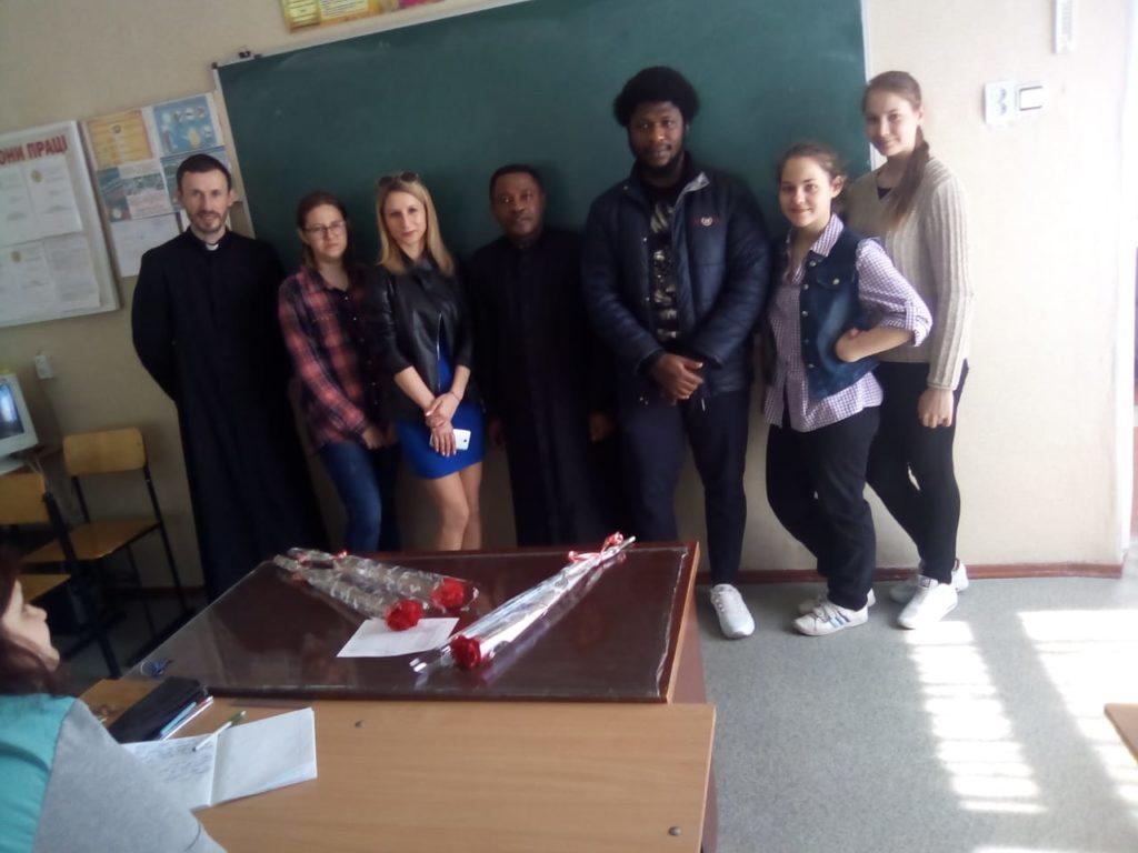 Зустріч отця Віктора зі студентами